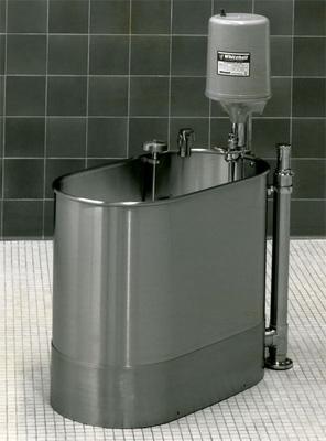 "Stationary Extremity Whirlpool, 28"" x 15"" x 18"" - 22 gallon"