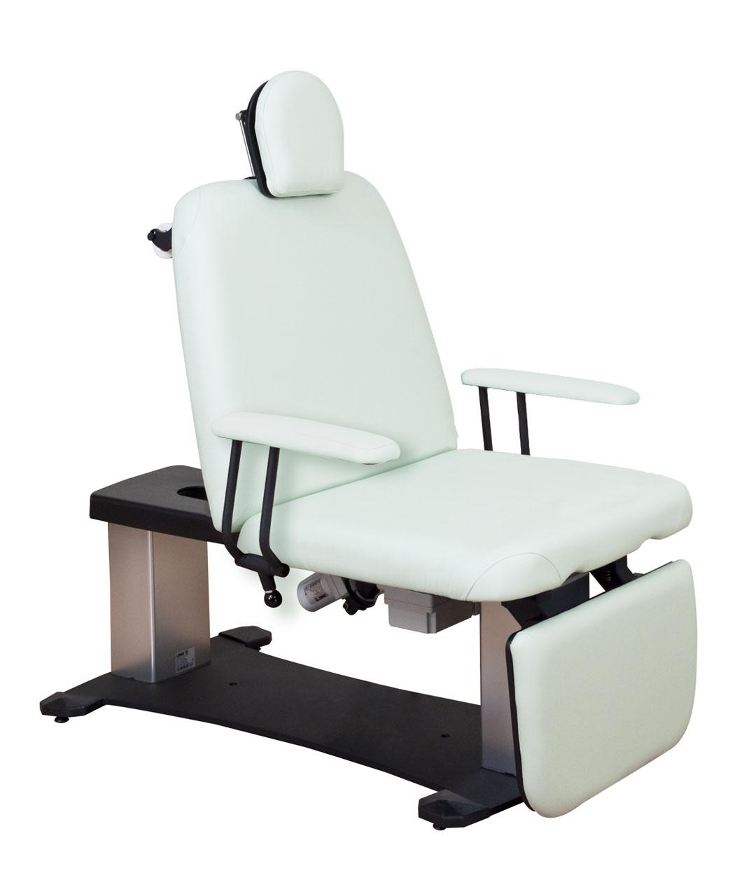 Oakworks 67651 Procedure Chair 100 Series W/ Arm Rests